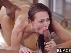 Jeunes filles comme le sexe anal